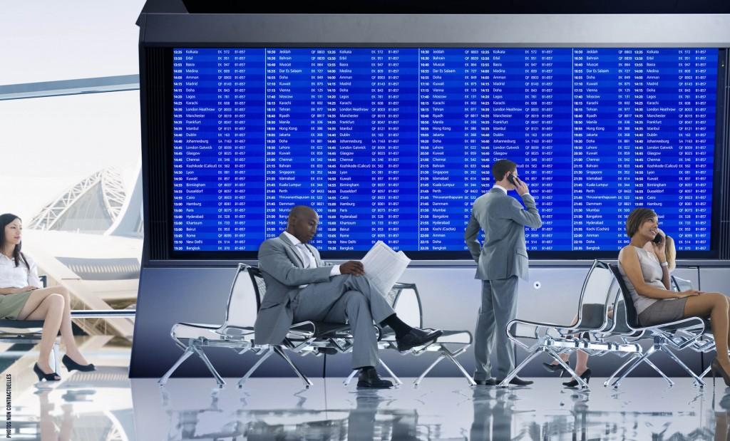 écran géant pour affichage dynamique des vols dans un aéroport