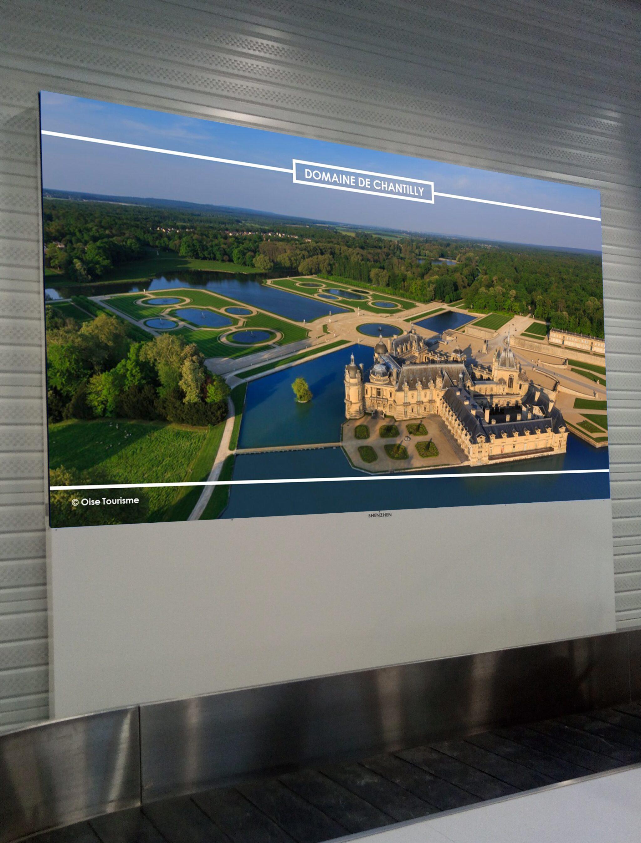 Shenzhen Multimédia® - une SHENZHEN SMD LED TV160 dans l'aéroport de Paris Beauvais