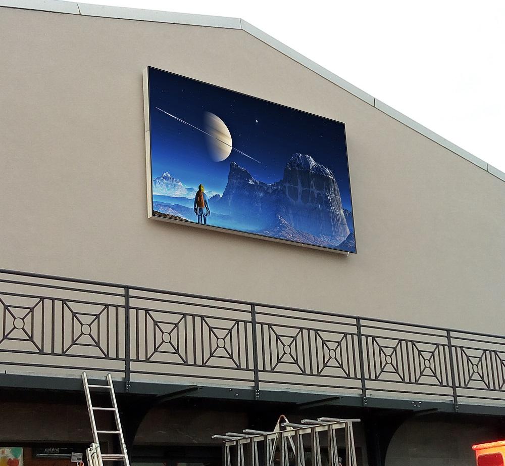 Shenzhen Multimédia® installe un écran géant de plus de 9 m2 à Bruxelles
