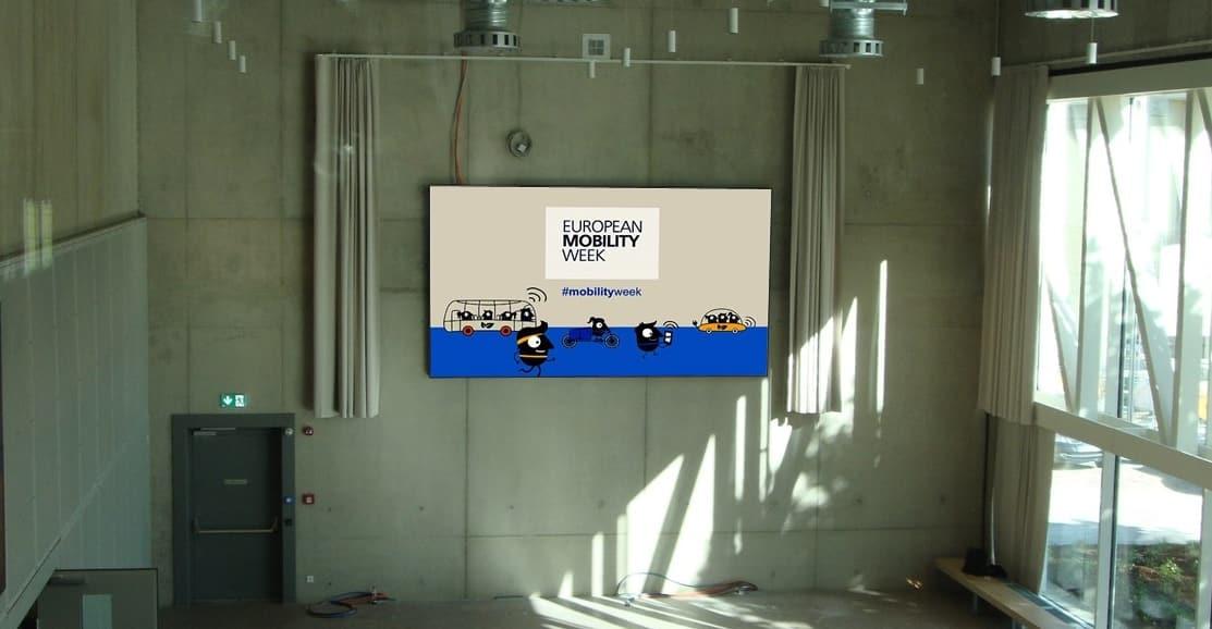 SHM® équipe une salle de conférence au Luxembourg avec un écran géant de 12 m2